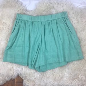 Vince mint green linen shorts medium